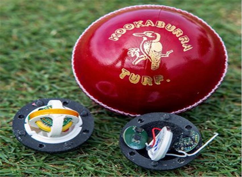 कैसा बदलेगी क्रिकेट की दुनिया इस करिश्माई स्मार्ट बॉल से ?